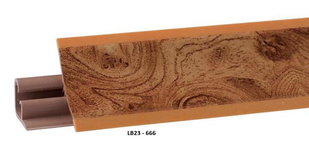 Плинтус пластиковый LB23-7